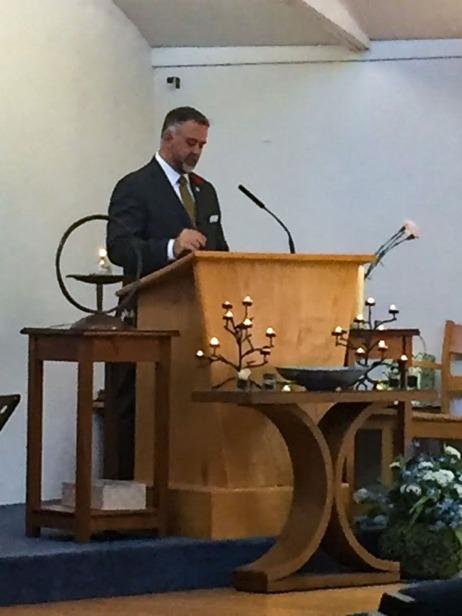 Scot preaching at UUCR